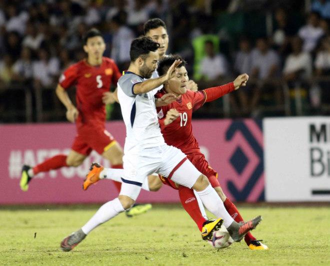 Philippines đá xấu xí vẫn thua: Thầy Park khiến HLV Eriksson bất lực - 1