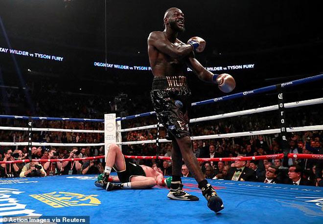 """""""Gã hề"""" boxing Fury 2 lần trở về từ """"cõi chết"""": Wilder cười hóa khóc - 1"""