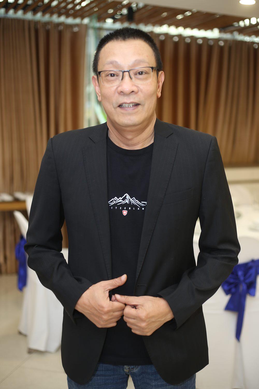 """MC Lại Văn Sâm tiết lộ lý do """"xin phép con trai ra ở riêng"""" - 1"""