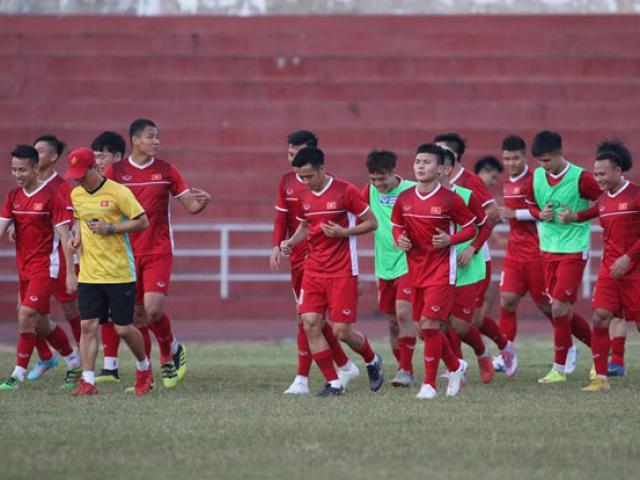 Trực tiếp ĐT Việt Nam tập luyện đấu Philippines lượt về: Tin xấu từ Hùng Dũng