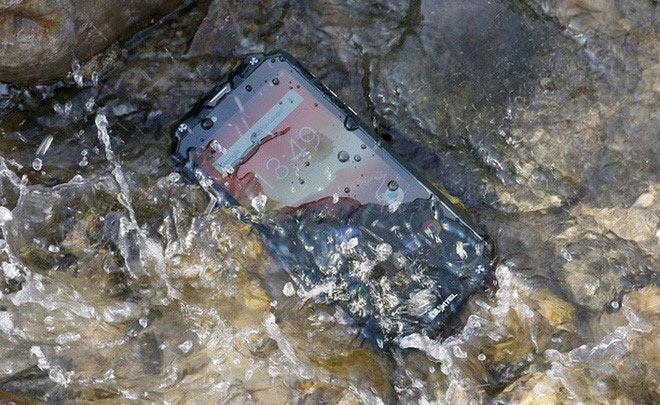 Oukitel ra mắt wp2 pin 10.000mah chống nước IP 68 chịu lực siêu bền - 1