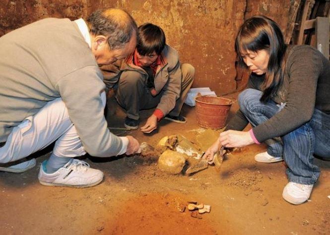 Phát hiện gây sốc bên trong ngôi mộ cổ 2000 năm tuổi - 1