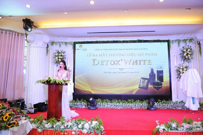 """Phương Oanh """"Quỳnh Búp Bê"""" xinh đẹp tại buổi ra mắt mỹ phẩm thiên nhiên Detox White - 1"""