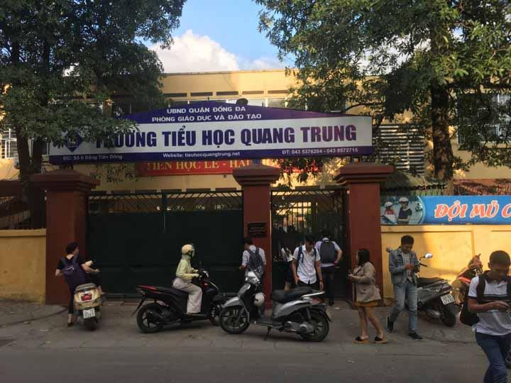Học sinh ở Hà Nội nghi bị cô giáo cho bạn tát 20 cái đã đi học lại - 1