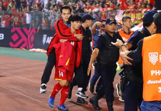 Mẹ Văn Toàn tiết lộ chấn thương của con trai trước trận bán kết lượt về với Philippines - 1