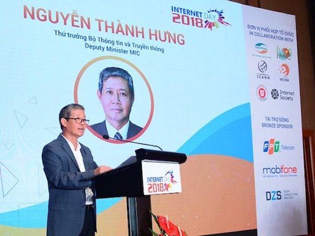 Hơn 60% dân số Việt Nam dùng internet, truy cập trung bình 7 tiếng/ngày
