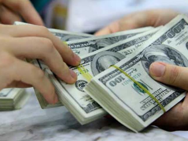Giá USD liên tục tăng, đang ở mức cao nhất năm
