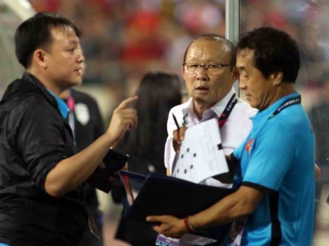 """""""Vũ điệu"""" HLV Park Hang Seo tính kế đấu chung kết Malaysia ngay tại Mỹ Đình"""