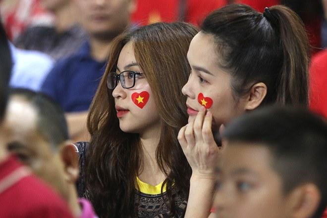 """Bạn gái Quang Hải kể chuyện bàn thắng của """"hot boy"""" ĐT Việt Nam - 1"""