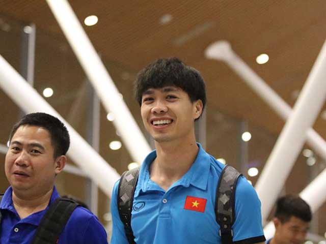 ĐT Việt Nam sang Malaysia đá chung kết: Công Phượng rạng rỡ