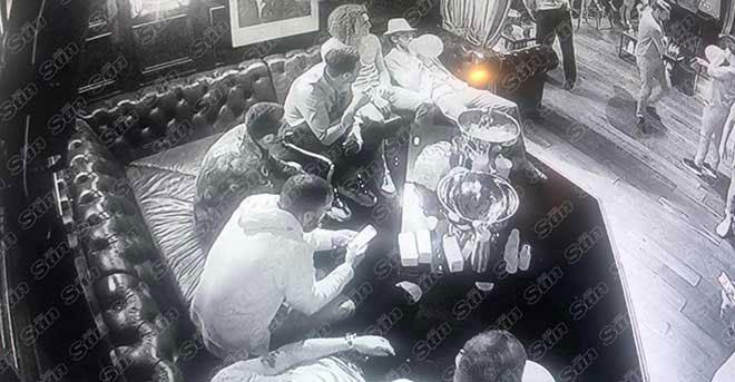 Arsenal - Huddersfield: Xóa tan bê bối, nối dài mạch bất bại - 1