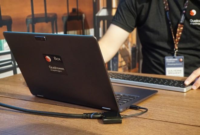 """Thông số Snapdragon 8cx có khiến Intel """"run như cầy sấy""""? - 1"""