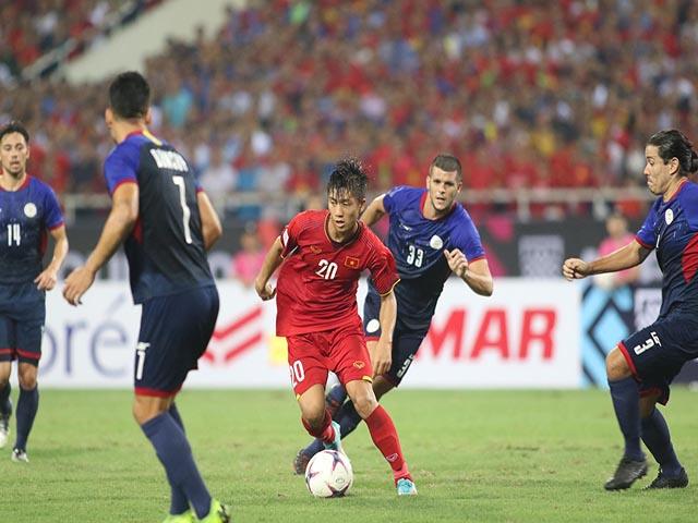 """Trực tiếp ĐT Việt Nam """"luyện công"""" đấu Malaysia: Thầy Park bất ngờ đổi kế hoạch"""