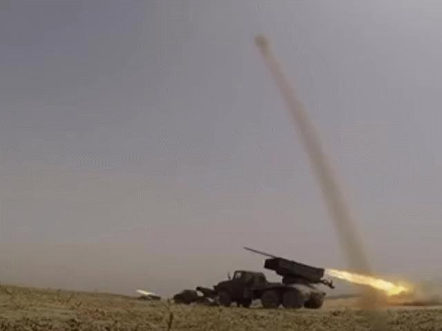 Pháo phản lực Nga khai hỏa uy lực trong cuộc tập trận ở căn cứ nước ngoài