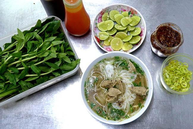 """Những quán ăn bán với số lượng """"khủng"""" ở Sài Gòn - 1"""