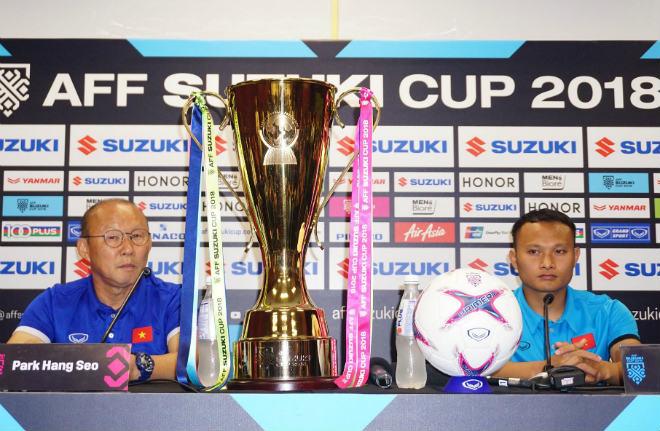"""""""Đấu sỹ"""" Trọng Hoàng sợ nhất """"vũ khí"""" nào từ fan Malaysia chung kết AFF Cup? - 1"""