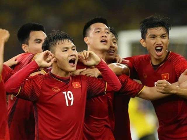 Đội hình tiêu biểu AFF Cup: 4 SAO Việt Nam góp mặt, khó hiểu hàng thủ