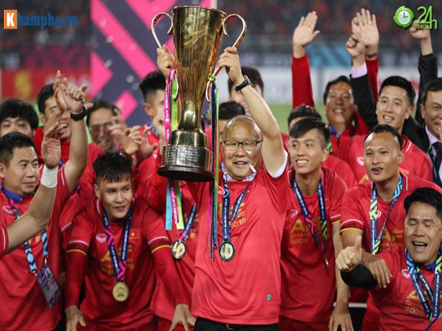 Thầy Park bật khóc trong niềm vui tột độ ĐT Việt Nam xưng vương AFF Cup