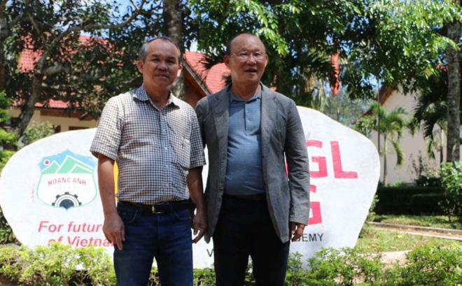 Việt Nam vô địch AFF Cup 2018: Bầu Đức ấm lòng dù còn khó khăn chồng chất - 1