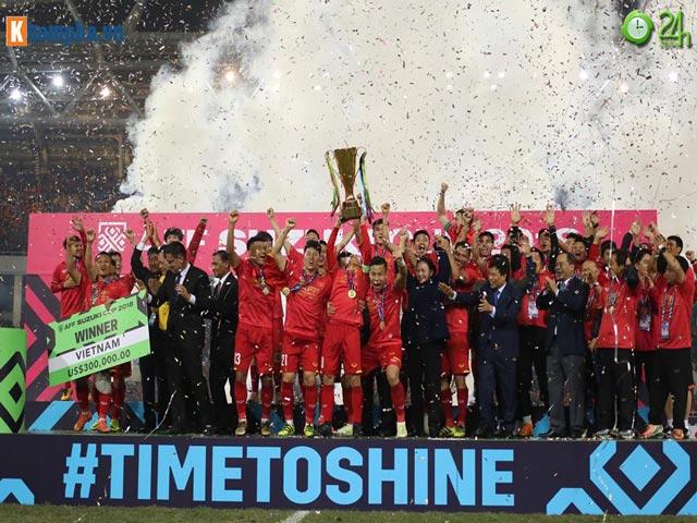 Việt Nam vô địch AFF Cup, thầy Park lập tức đi gặp bầu Đức