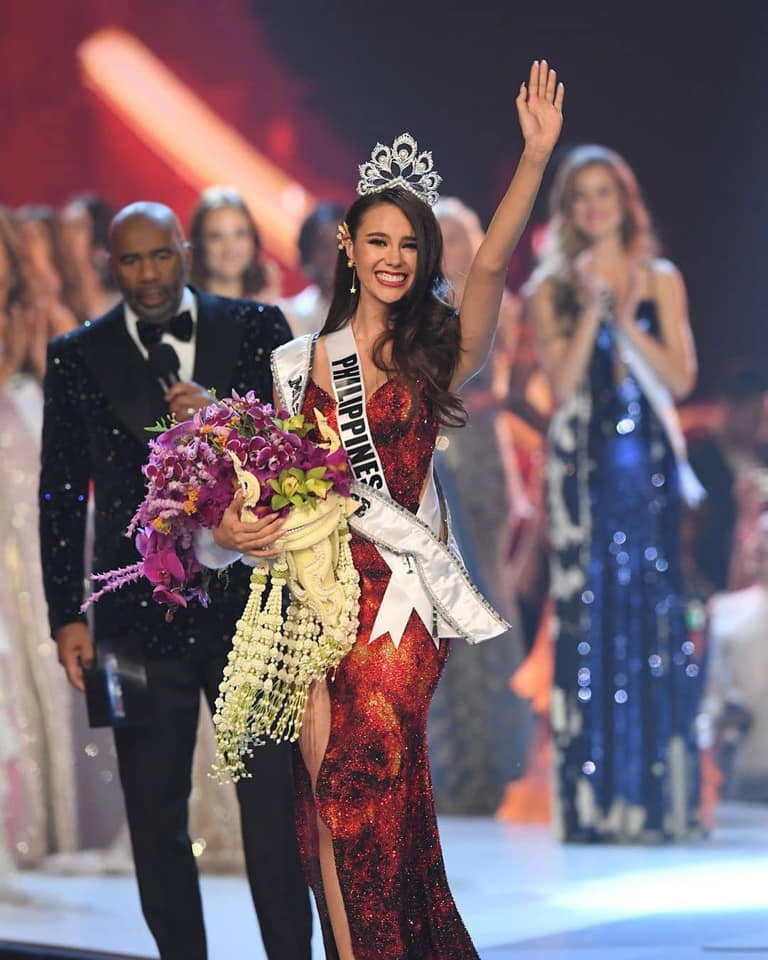 Nhan sắc đẹp tựa nữ thần của tân Hoa hậu Hoàn vũ 2018 Catriona Gray - 1