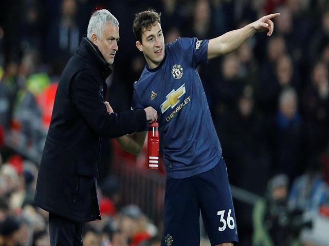MU thua derby nước Anh: Sếp lớn họp khẩn sa thải Mourinho trong hôm nay?