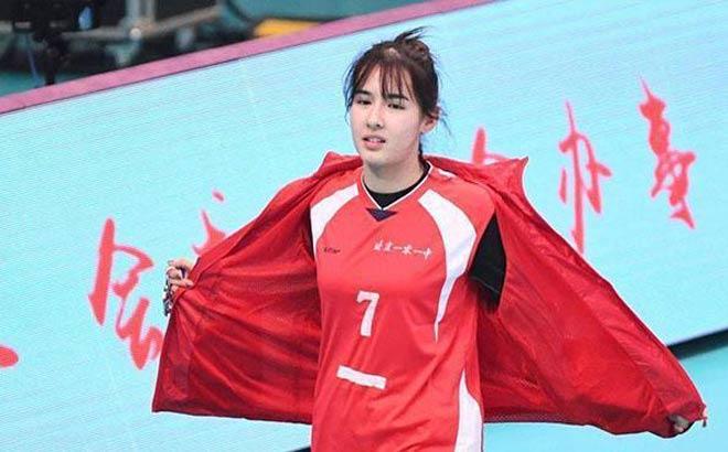 Chân dài Trung Quốc bóng chuyền 18 tuổi đẹp nhất thế giới hé lộ thân thế - 1