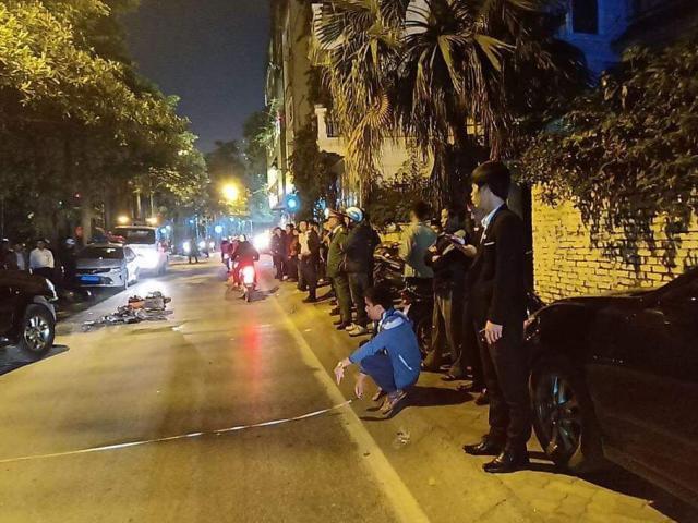 Nữ tài xế say rượu lái xe Lexus tông liên hoàn trên đường phố Hà Nội