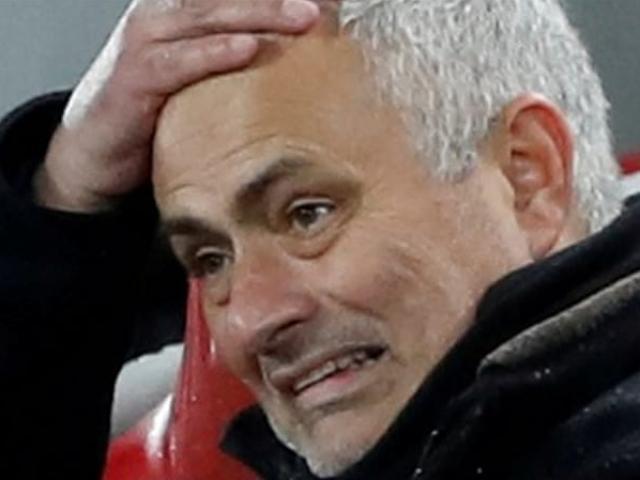 """MU dứt tình Mourinho: Ác mộng từ Liverpool, Man City và """"gã tí hon"""""""