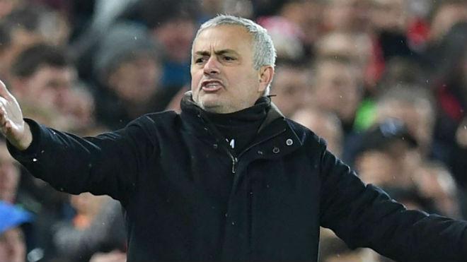 Tin HOT bóng đá trưa 18/12: Mourinho có tỷ lệ sa thải cao