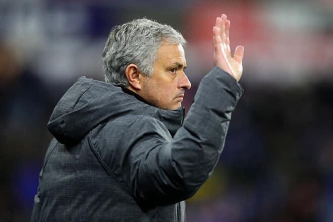 """MC Lại Văn Sâm bất bình Mourinho bị sa thải: """"Thà chết vinh còn hơn sống nhục"""" - 1"""
