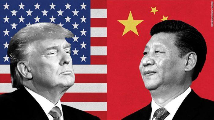 Động thái mới của Trump với Trung Quốc sẽ khiến hơn 200.000 người mất việc - 1