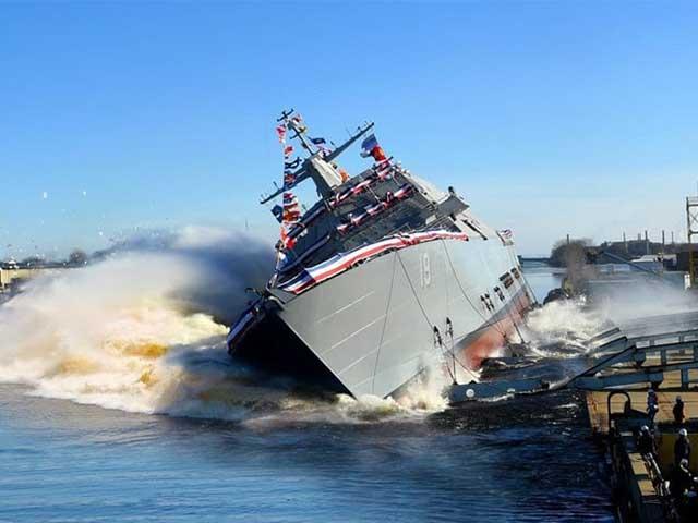 Cận cảnh hạ thủy tàu chiến giá trăm triệu USD của Hải quân Mỹ