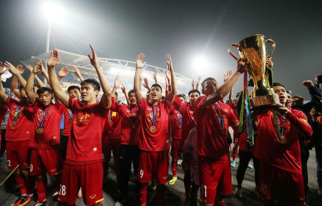 AFF Cup công bố đội hình hay nhất: 4 SAO Việt Nam góp mặt là ai? - 1