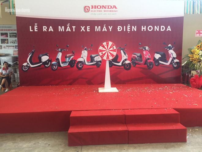 Ra mắt xe máy điện Honda nhưng Honda Việt Nam không biết - 1