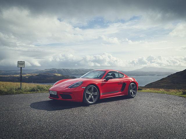 Porsche giới thiệu phiên bản thể thao giá rẻ 718T Cayman và 718T Boxster