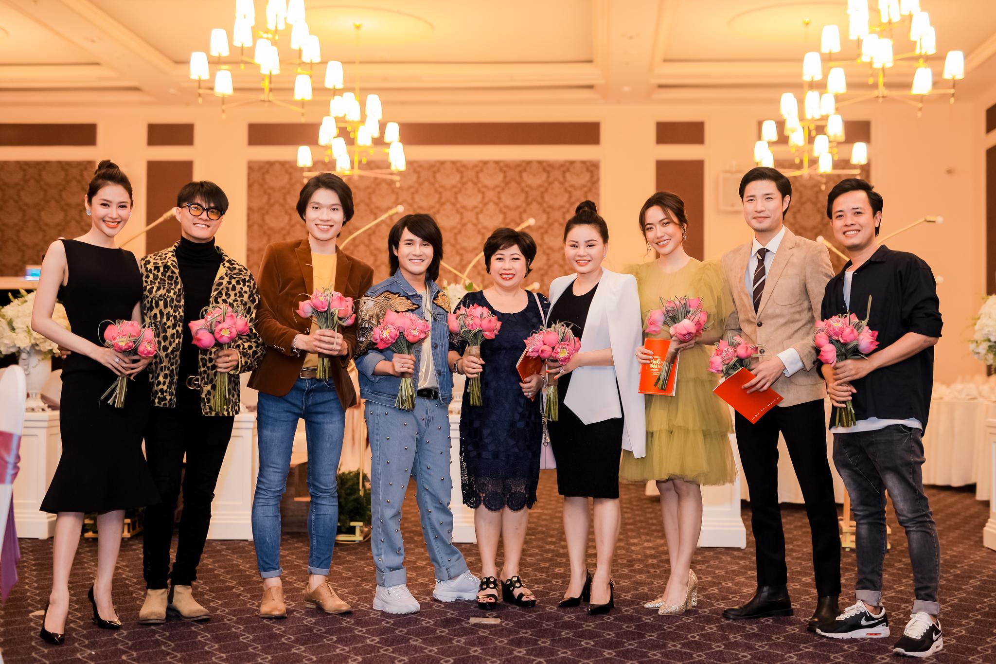 Huỳnh Lập – Quang Trung hoang mang về giới tính thật trong phim Tết - 1