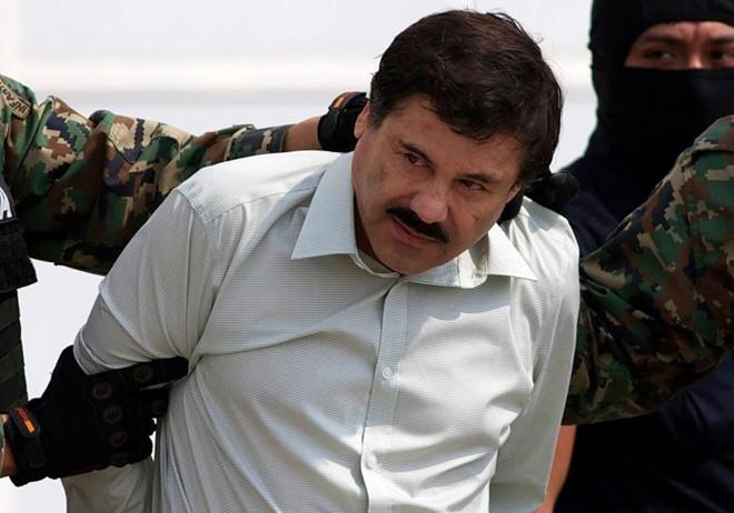 """Trùm ma túy El Chapo rơi nước mắt khi nhận """"quà Giáng sinh"""" tại tòa - 1"""