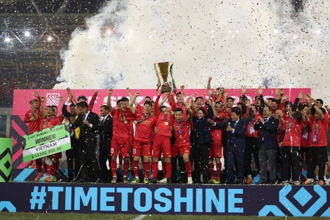 Ngã ngửa thứ hạng FIFA của ĐT Việt Nam: Vì sao vô địch AFF Cup vẫn thứ 100? - 1