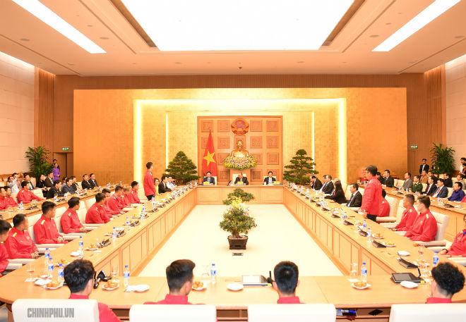 ĐT Việt Nam được trao Huân chương Lao động hạng Nhất, Quang Hải nhận thưởng đặc biệt - 1