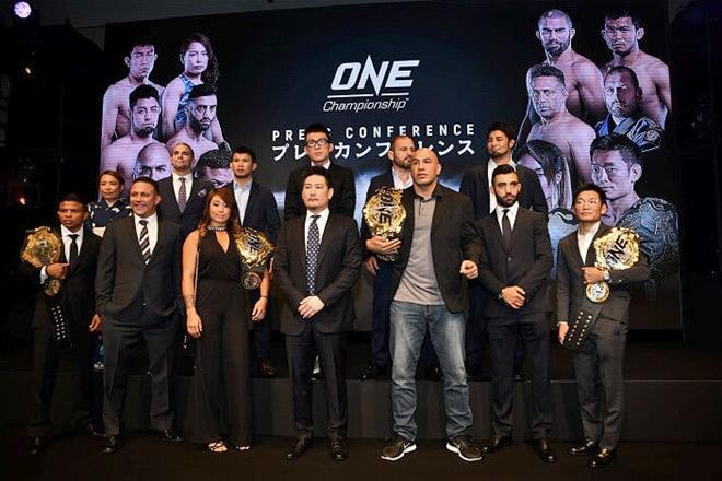 """Sàn võ lớn nhất châu Á """"gây bão"""": 3 trận tranh đai, 2 siêu võ sĩ cùng ra trận - 1"""