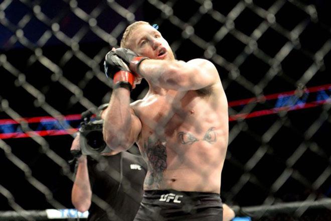 """5 cú knock-out """"tử thần"""" UFC 2018: """"Thiên thần tung cánh"""" là số một - 1"""