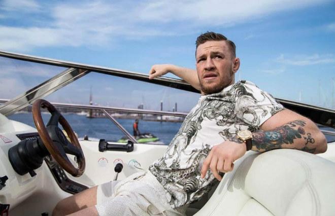 """McGregor có 2.200 tỷ đồng: Siêu giàu nhưng vẫn dùng """"đồ chùa"""" - 1"""