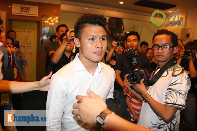 Những người hùng ĐT Việt Nam vô địch AFF Cup rạng rỡ nhận tin vui - 1