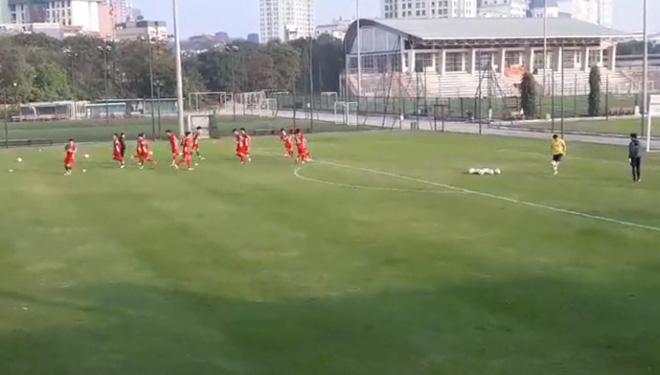 ĐT Việt Nam tập đấu Triều Tiên, chuẩn bị Asian Cup: Khí thế hừng hực - 1
