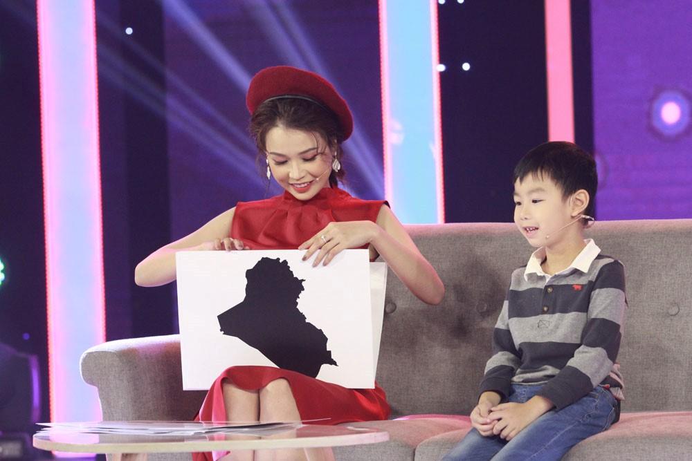 Hari Won bất ngờ xuất hiện bên chồng ở chương trình không có Trường Giang - 1
