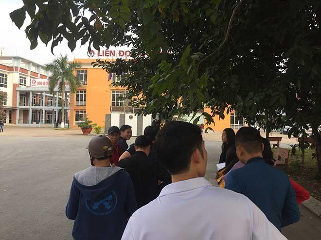 """Bất kể trận đấu nào, cứ miễn tuyển Việt Nam đá, fan vẫn """"rần rần"""" mua vé - 1"""