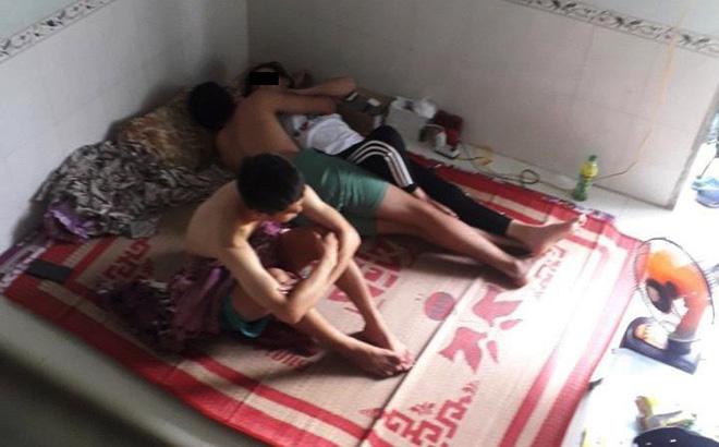 Câu chuyện hai chàng trai, một cô gái cùng nằm trên chiếc giường khiến nhiều người bức xúc - 1