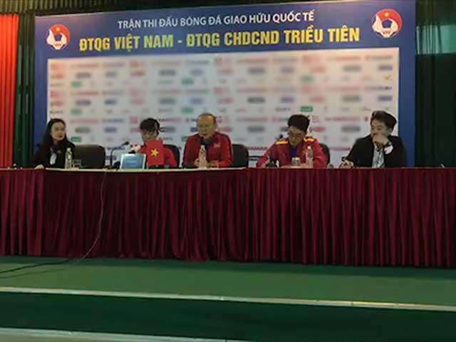"""Họp báo ĐT Việt Nam - CHDCND Triều Tiên: Thầy Park """"giải toán"""" không Đình Trọng"""