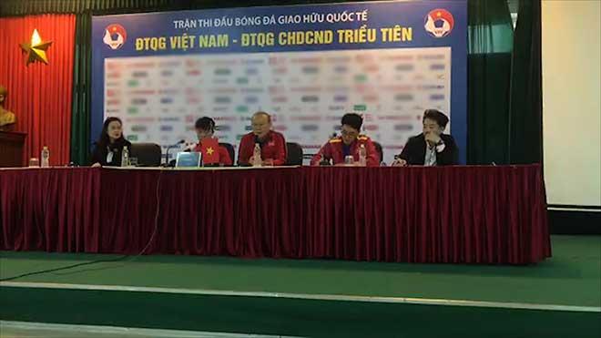 """Họp báo ĐT Việt Nam - CHDCND Triều Tiên: Thầy Park """"giải toán"""" không Đình Trọng - 1"""
